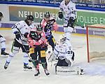06.10.2019, Mercedes Benz Arena, Berlin, GER, 1.DEL, EISBAEREN BERLIN  VS.  Straubingen Tigers, im Bild <br /> Louis-Marc Aubry (Eisbaeren Berlin #41), Leonhard Pfoederl (Eisbaeren Berlin #93),<br /> Mitchell Heard (Straubingen Tigers #29), Sebastian Vogel (Straubingen Tigers #25)<br /> <br />      <br /> Foto © nordphoto / Engler
