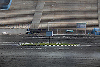 ATENCAO EDITOR IMAGEM EMBARGADA PARA VEICULOS INTERNACIONAIS - SAO PAULO, SP, 28 NOVEMBRO 2012 - COPA 2014 - VISTORIA ITAQUERAO - Marca central do ponta pe inicial durante vistoria da Fifa ao Itaquerao, estadio que sediada o jogo de abertura da Copa do Mundo de 2014, neste quarta-feira, 28. (FOTO: WILLIAM VOLCOV / BRAZIL PHOTO PRESS).