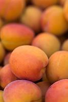 Europe/France/Rhône-Alpes/26/Drôme/Nyons: Abricots sur le marché paysan