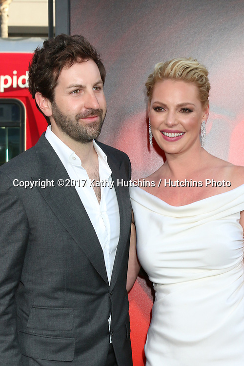 "LOS ANGELES - APR 18:  Josh Kelley, Katherine Heigl at the ""Unforgettable"" Premiere at TCL Chinese Theater IMAX on April 18, 2017 in Los Angeles, CA"