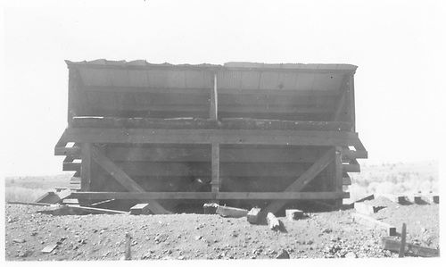 Ute Junction RGS coal chute.<br /> RGS  Ute Junction, CO  Taken by Welch, Ronald - 1954