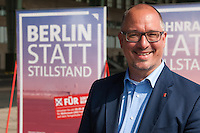 "2014/04/03 Berlin | SPD-Plakate zum Volksbegehren ""100% Tempelhof"""