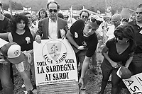 - raduno del partito Lega Lombarda a Pontida (1991)....- meeting of the Lega Lombarda party at Pontida (1991)