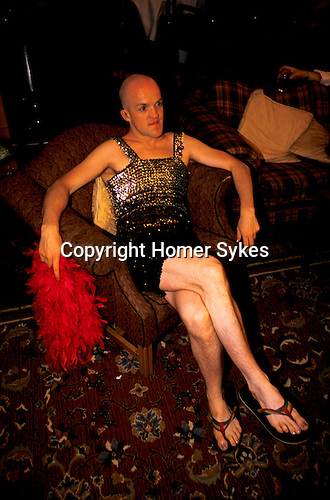 Dressing services transvestite