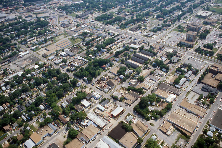 1996 May ..Redevelopment.Old Dominion (R-28)..Aerial View.Looking Southwest.ODU upper right.42nd Street bottom right...NEG#.NRHA#..REDEV:ODU II 1 5:6