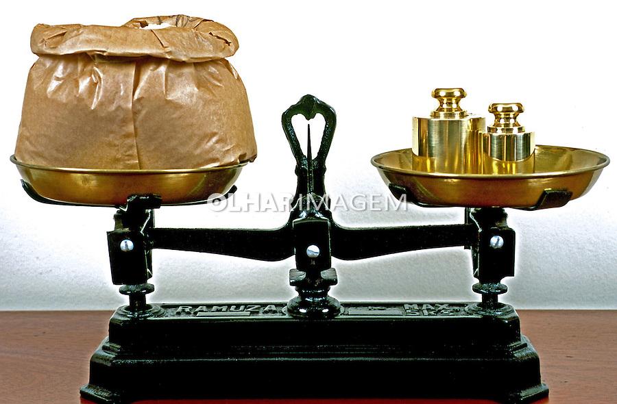 Balança, instrumento de pesagem. Foto de Thaïs Falcão.
