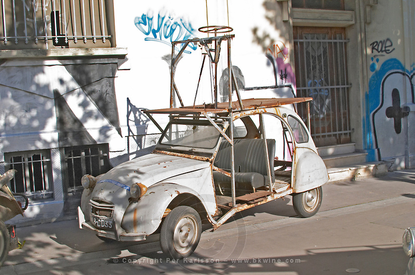 Old Citroen 2CV car remodelled. Bordeaux city, Aquitaine, Gironde, France