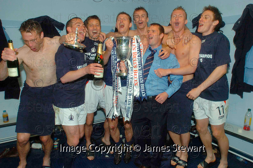 07/05/2005         Copyright Pic : James Stewart.File Name : jspa16_falkirk_v_qots.THE FALKIRK TEAM CELEBRATE LIFTING THE TROPHY.Payments to :.James Stewart Photo Agency 19 Carronlea Drive, Falkirk. FK2 8DN      Vat Reg No. 607 6932 25.Office     : +44 (0)1324 570906     .Mobile   : +44 (0)7721 416997.Fax         : +44 (0)1324 570906.E-mail  :  jim@jspa.co.uk.If you require further information then contact Jim Stewart on any of the numbers above.........A