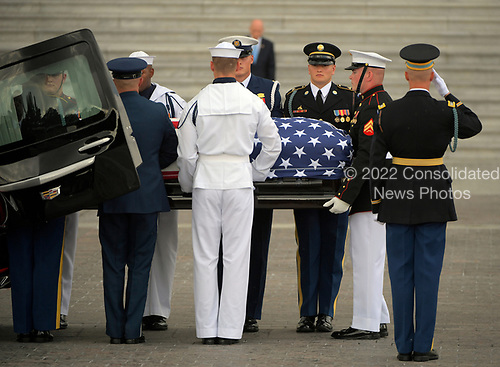 WASHINGTON, DC - AUGUST 31: The casket of Sen. John McCain, R-Ariz., arrives at the U.S. Capitol in Washington D.C. on Friday, Aug. 31, 2018, in Washington, D.C. (Photo by John McDonnell/The Washington Post, Pool)