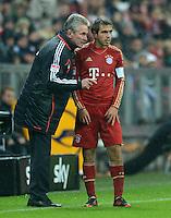 FUSSBALL   1. BUNDESLIGA  SAISON 2012/2013   9. Spieltag FC Bayern Muenchen - Bayer 04 Leverkusen    28.10.2012 Trainer Jupp Heynckes und Philipp Lahm (FC Bayern Muenchen)