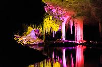 Western Australia Jewel Cave, Lake Caves