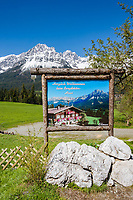 Austria, Tyrol, Ellmau and Wilder Kaiser mountains -  location for TV series 'Der Bergdoktor' | Oesterreich, Tirol, Ellmau am Wilden Kaiser: Bergdoktorhaus