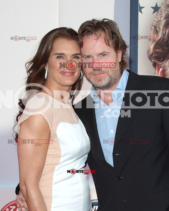 HOLLYWOOD, CA - AUGUST 02: Brooke Shields and Grant Show at the 'The Campaign' film premiere at Grauman's Chinese Theatre on August 2, 2012 in Hollywood, California. &copy;&nbsp;mpi21/MediaPunch Inc. /NortePhoto.com<br />
