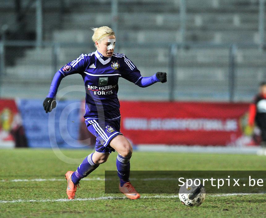 Waasland Beveren Sinaai Girls - RSC Anderlecht : Stephanie Van Gils.foto DAVID CATRY / Nikonpro.be