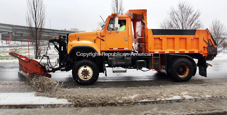 WATERBURY CT. 29 December 2015-122915SV08-DOT trucks were out in full force in Waterbury Tuesday. <br /> Steven Valenti Republican-American