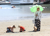 Gwen Stefani with her sons in Malibu Beach - Los Angeles