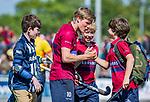 DEN HAAG -   Koen Bijen (HCKZ) met supporters   na de eerste Play out wedstrijd hoofdklasse heren ,  HDM-HCKZ (1-2) . COPYRIGHT KOEN SUYK