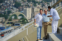 RIO DE JANEIRO, RJ, 12 DE FEVEREIRO DE 2012 - CARNAVAL RIO 2012 - O Prefeito Eduardo Paes (E), o presidente do Comitê Organizador dos Jogos Olímpicos, Carlos Arthur Nuzman, e o presidente da LIESA, Jorge Castanheira (D), na abertura oficial do novo Sambódromo do Rio, que também será utilizado nos Jogos Olímpicos, e que após reformas recebeu o traçado original projetado por Oscar Niemeyer há quase 30 anos. <br /> FOTO GLAICON EMRICH - NEWS FREE.