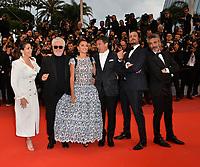 "CANNES, FRANCE. May 17, 2019: Nora Navas, Pedro Almodovar, Penelope Cruz, Antonio Banderas, Asier Etxeandia & Leonardo Sbaraglia at the gala premiere for ""Pain and Glory"" at the Festival de Cannes.<br /> Picture: Paul Smith / Featureflash"