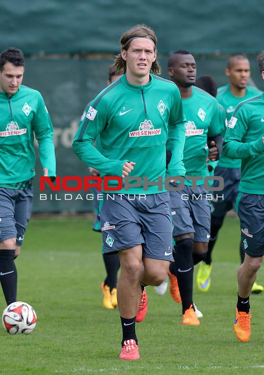 11.04.2015, Trainingsgelaende, Bremen, GER, 1.FBL, Training Werder Bremen, im Bild Jannik Vestergaard (Bremen #7)<br /> <br /> Foto &copy; nordphoto / Frisch