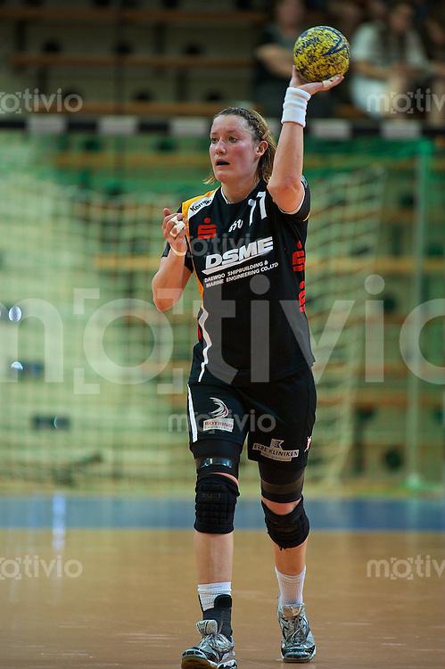 Stefanie Melbeck (BSV) am Ball