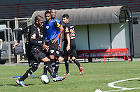 SAO PAULO, 14 DE AGOSTO DE 2012 - TREINO SAO PAULO - Jogador Paulo Miranda durante treino do Sao Paulo no CT do clube, na Barra Funda, regiao oeste da capital, na manha desta terca feira. FOTO: ALEXANDRE MOREIRA - BRAZIL PHOTO PRESS