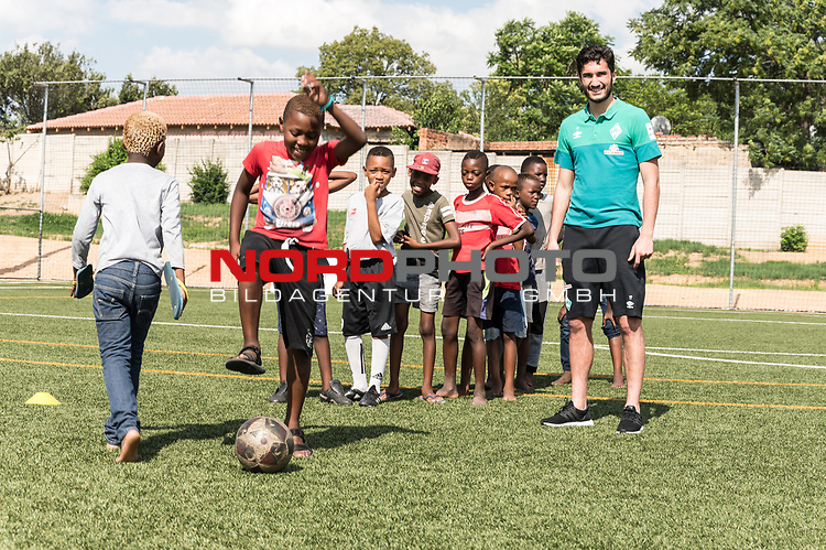 08.01.2019, AMANDLA Save Hub, Johannesburg, RSA, TL Werder Bremen Johannesburg Tag 06 - Besuch des AMANDLA Save Hub<br /> <br /> im Bild / picture shows <br /> <br /> Nuri Sahin (Werder Bremen #17)<br /> <br /> **** Attention *** **** Attention *** <br /> <br /> Only be used for the purpose of documenting the Safe-Hub visit on 08 January 2019<br /> <br /> Foto &copy; nordphoto / Kokenge