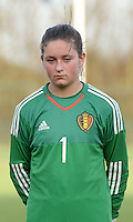 20151128 - Tubize , Belgium : Belgian Kenza Vrithof pictured during the female soccer match between Women under 16 teams of  Belgium and Germany , in Tubize . Saturday 28th November 2015 . PHOTO DIRK VUYLSTEKE