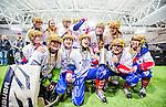 Stockholm 2015-03-13 Bandy SM-final herrar Sandvikens AIK - V&auml;ster&aring;s SK :  <br /> Karebys spelare jublar med SM-pokalen efter matchen mellan Sandvikens AIK och V&auml;ster&aring;s SK <br /> (Foto: Kenta J&ouml;nsson)<br /> Nyckelord:  SM SM-final final Bandyfinal Bandyfinalen Dam Damer Dambandy AIK Kareby IS jubel gl&auml;dje lycka glad happy