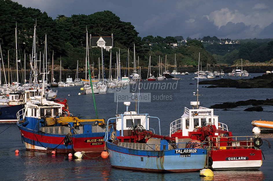 Europe/France/Bretagne/29/Finistère/Ianildut: Le premier port goemonier de France et l'Aber Idult