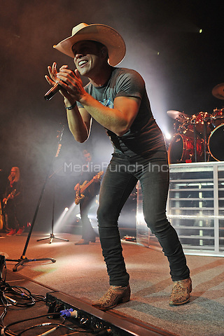 HOLLYWOOD, FL - NOVEMBER 11: Dustin Lynch performs at Hard Rock Live held at the Seminole Hard Rock Hotel & Casino on November 11, 2016 in Hollywood, Florida. Credit: mpi04/MediaPunch