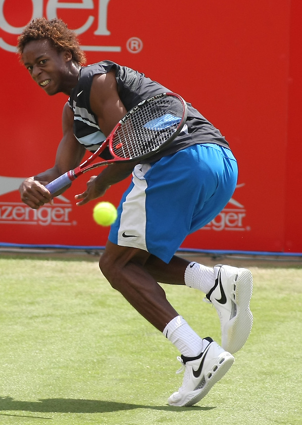 Gael Monfils (FRA) makes a desperate effort during his 0-2 defeat against Ivo Karlovic (CRO)..International Mens Tennis - The Slazenger Open - Fri 20 Jun 2008 - The City of Nottingham Tennis Centre - Nottingham - England ..