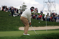 Darren Clarke chips to the 18th hole of his second round in the Open de Espana in Madrid..Photo NEWSFILE/Manus O'Reilly.(Photo credit should read Manus O'Reilly/NEWSFILE)....This Picture has been sent you under the condtions enclosed by:.Newsfile Ltd..The Studio,.Millmount Abbey,.Drogheda,.Co Meath..Ireland..Tel: +353(0)41-9871240.Fax: +353(0)41-9871260.GSM: +353(0)86-2500958.email: pictures@newsfile.ie.www.newsfile.ie.FTP: 193.120.102.198..