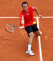 Philipp Kohlschreiber (GER) (30) against Fernando Verdasco (ESP)(7) in the second round of the men's singles. Fernando Verdasco beat Philipp Kohlshreiber 2-6 6-3 6-3 6-7 6-4..Tennis - French Open - Day 7 - Say 30 May 2010 - Roland Garros - Paris - France..© FREY - AMN Images, 1st Floor, Barry House, 20-22 Worple Road, London. SW19 4DH - Tel: +44 (0) 208 947 0117 - contact@advantagemedianet.com - www.photoshelter.com/c/amnimages