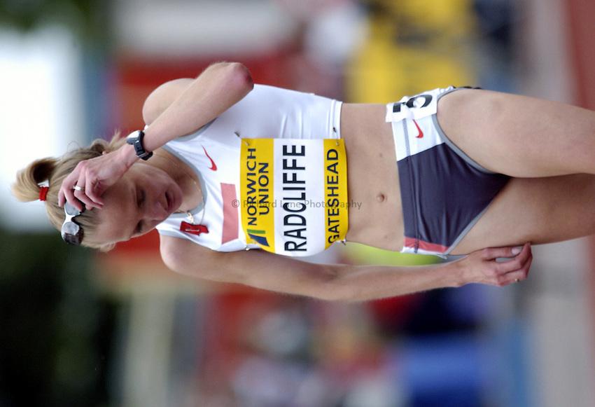 Photo. Richard Lane..Norwich Union British Grand Prix at Gateshead International. 27/06/2004..Paula Radcliffe wins the womens 10,000m.