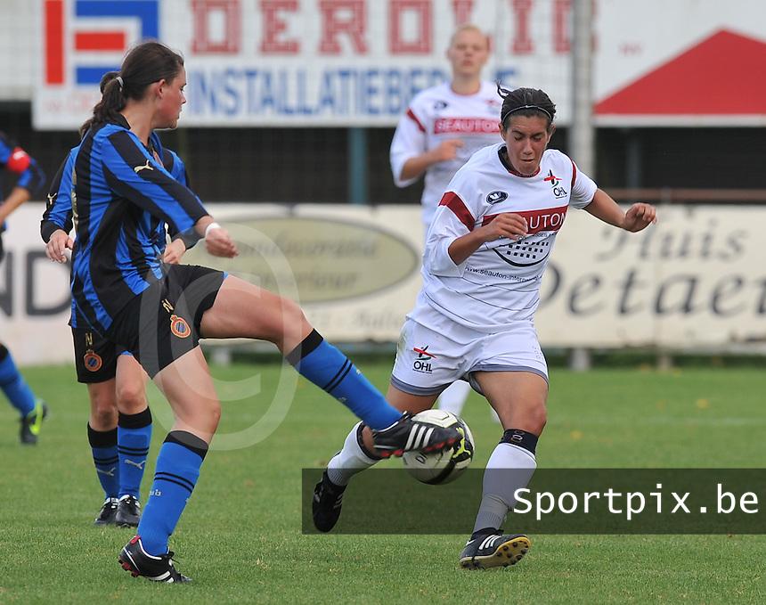 Club Brugge Dames - OHL Oud Heverlee Leuven Dames : Ansje Bogaerts in duel met Sofie Huyghebaert.Foto David Catry / Vrouwenteam.be