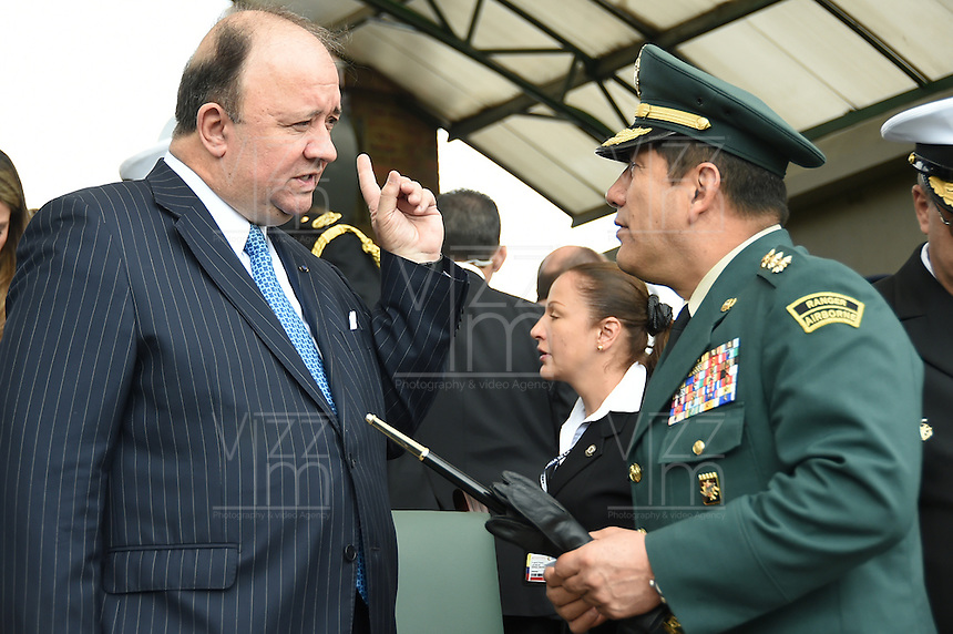 BOGOTÁ - COLOMBIA, 24-06-2015 Luis Carlos Villegas, nuevo ministro de defensa de Colombia hace su primer reconoicimiento de tropas hoy 24 de junio de 2015 en la Escuela Militar José María Córdoba de la ciudad de Bogotá../ Luis Carlos Villegas new Defense minister makes his first acknowledgment of troops today june 24 2015 at Jose Maria Cordoba military academy in Bogota city.. Photo: VizzorImage /  Mauricio Orjuela / Mindefensa / HANDOUT PICTURE; MANDATORY EDITORIAL USE ONLY/ NO MARKETING, NO SALES
