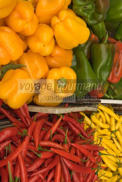 Asie/Israël/Galilée/Golan/Kyriat Shemona: détail étal sur le marché piments et poivrons