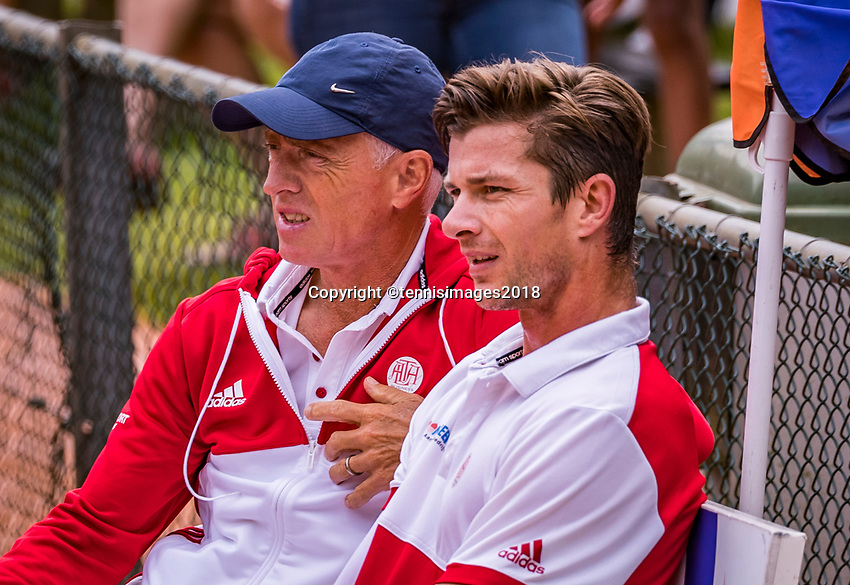 The Hague, Netherlands, 09 June, 2018, Tennis, Play-Offs Competition, Antal van der Duim (NED) and coach Tom Nijssen (NED)<br /> Photo: Henk Koster/tennisimages.com
