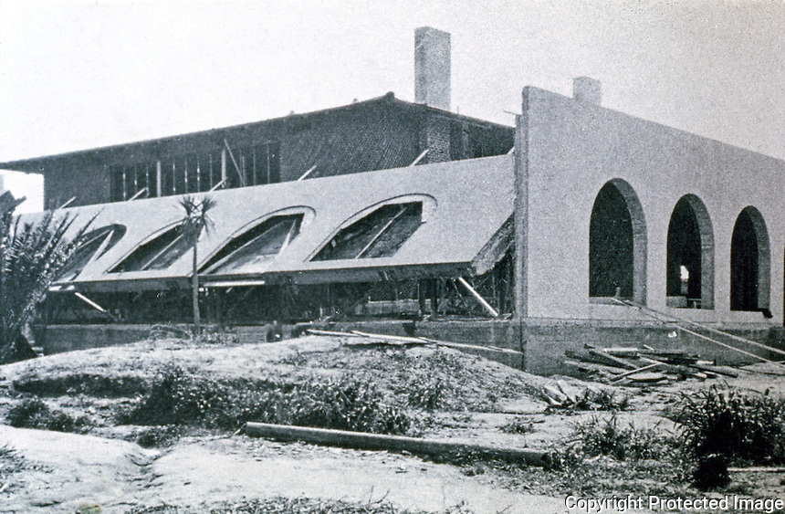 Irving Gill: La Jolla Woman's Club under construction. Tilt-slab method. (Photo '78)