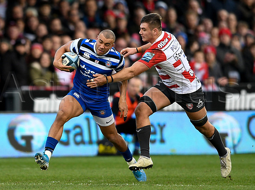 4th January 2020; Kingsholm Stadium, Gloucester, Gloucestershire, England; English Premiership Rugby, Gloucester versus Bath; Jonathan Joseph of Bath tries to go round Jake Polledri of Gloucester - Editorial Use