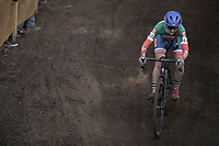 Eva Lechner (ITA/Clif Pro Team) downhill.<br /> <br /> Women's Race<br /> UCI CX World Cup Zolder / Belgium 2017