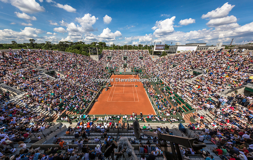 Paris, France, 5 June, 2017, Tennis, French Open, Roland Garros,  Overall view of court Suzanne Lenglen<br /> Photo: Henk Koster/tennisimages.com