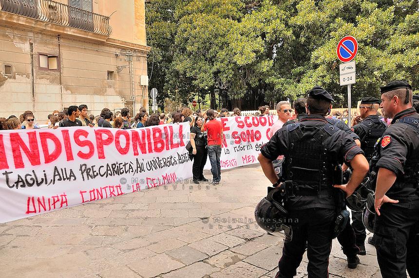 Palermo,students protest against the reform of public instruction.<br /> Palermo corteo studentesco di protesta contro la riforma Gelmini della scuola e dell'universit&agrave;, per l'istruzione pubblica garantita.