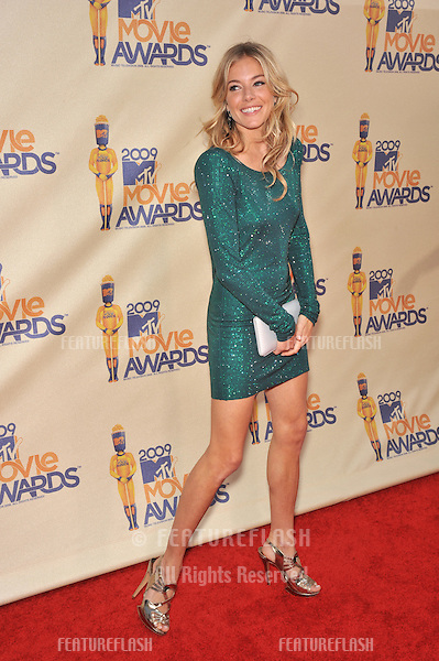 Sienna Miller at the 2009 MTV Movie Awards at Universal Studios, Hollywood..May 31, 2009  Los Angeles, CA.Picture: Paul Smith / Featureflash