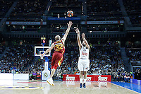 Real Madrid's Sergio Llull (r) and Galatasaray Odeabank Istambul's Sinan Guler during Euroleague, Regular Season, Round 5 match. November 3, 2016. (ALTERPHOTOS/Acero) /NORTEPHOTO:COM
