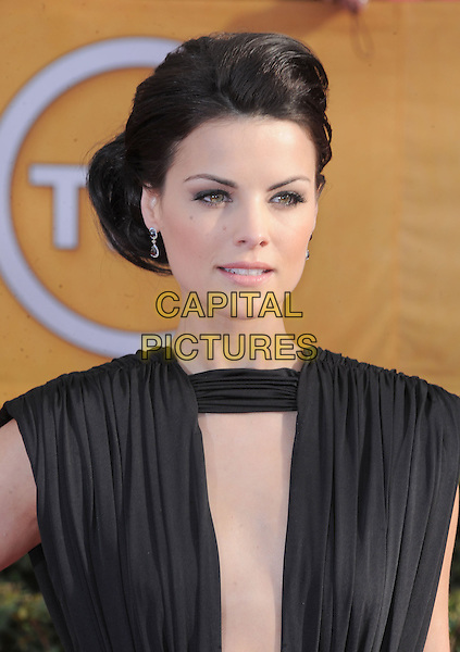 Jaimie Alexander (wearing Marc Bouwer).Arrivals at the 19th Annual Screen Actors Guild Awards at the Shrine Auditorium in Los Angeles, California, USA..27th January 2013.SAG SAGs headshot portrait black sleeveless cut out away neckline .CAP/DVS.©DVS/Capital Pictures.