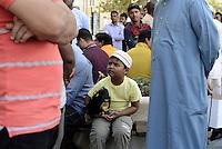 Roma, 30 Settembre 2016<br /> Centinaia di musulmani pregano in piazza a Largo Preneste per protestare contro la chiusura di moschee e centri culturali islamici eseguite dalla polizia municipale di Roma nel quartiere di Centocelle.<br /> La chiusura di luoghi di preghiera che è considerato dalla comunità islamica un attacco alla libertà di culto