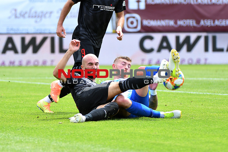 28.06.2020, Hänsch-Arena, Meppen, GER, 3.FBL, SV Meppen vs. FC Ingolstadt 04 <br /> <br /> im Bild<br /> Nico Antonitsch (FC Ingolstadt 04, 5) und Nico Andermatt (SV Meppen, 25) im Zweikampf, Duell, Laufduell.<br /> <br /> DFL REGULATIONS PROHIBIT ANY USE OF PHOTOGRAPHS AS IMAGE SEQUENCES AND/OR QUASI-VIDEO<br /> <br /> Foto © nordphoto / Paetzel