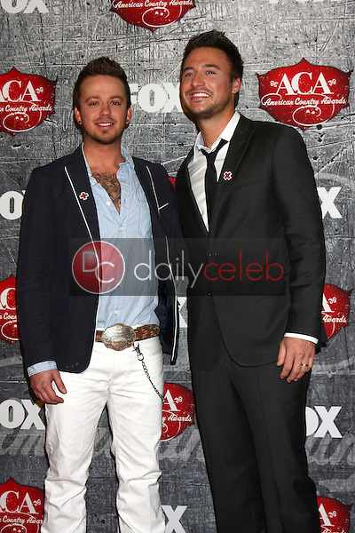 LOS ANGELES - DEC 10:  Love and Theft arrives to the American Country Awards 2012 at Mandalay Bay Resort and Casino on December 10, 2012 in Las Vegas, NV